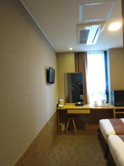 狭いけど立地最高で綺麗なホテル。