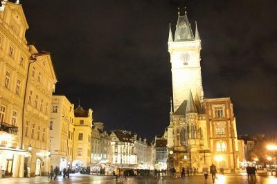 人が集まるプラハの中心です