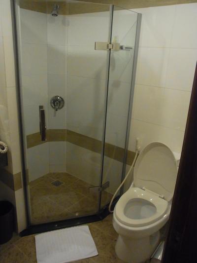 低評価のバスルームとトイレ