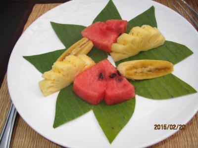 朝食のフルーツ
