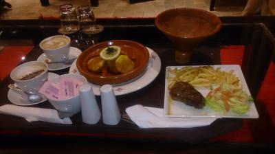 美味しく頂いたルームサービス。やっぱタジン鍋のもんでしょ。