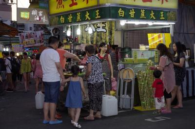 台湾一過密な夜市かも
