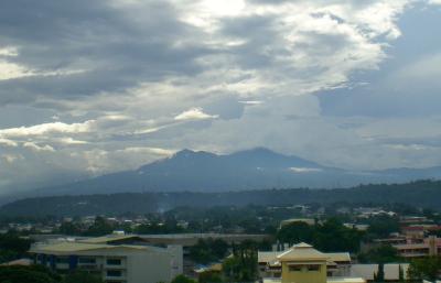 フィリピン最高峰