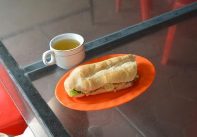 朝食のサンドイッチ。