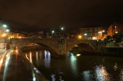 旧市街にかかる眼鏡橋
