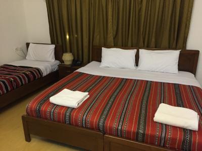 アラブの伝統的な柄のベッドカバー