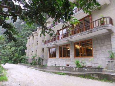 ホテル 正面左側