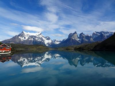 天気が良ければ,湖面が鏡のようになります