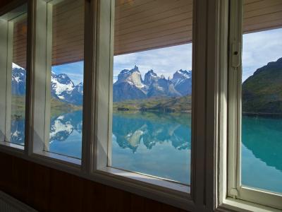 レストランの窓からは,絵のような景色が見られます
