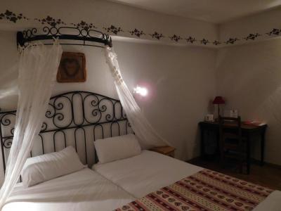天蓋付のベッド