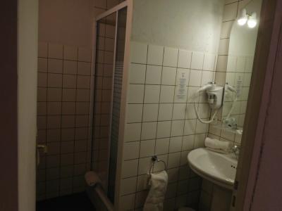 泊まった部屋はシャワーのみ