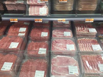 お惣菜の種類が豊富!電子レンジも有ります