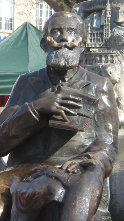 ブリュッセル市長の銅像