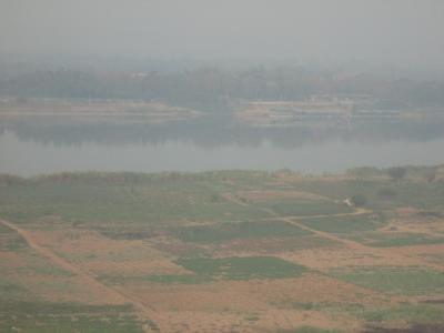 メコン川とタイが見えます