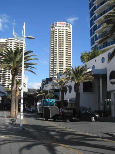 街中からのホテルの眺望。