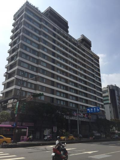 龍山寺近くの静かなホテル。