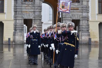 プラハ城見学で見逃せない衛兵の交代