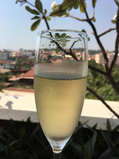 シャンパン飲み放題です。