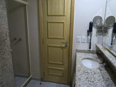 広い洗面・シャワールーム