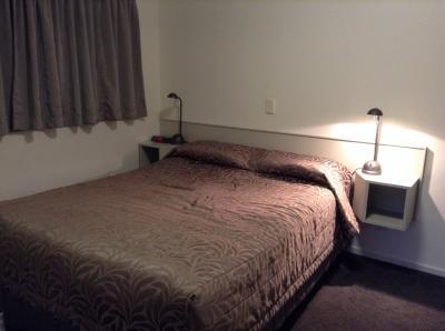 ベッドルームです。割と広いです。リビングルームが別にあります