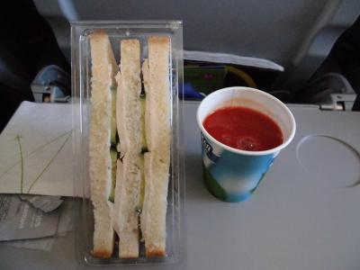 機内食のサンドイッチに注意!