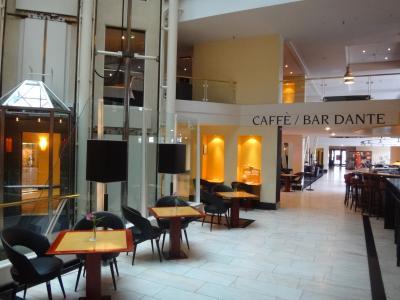 【CAFE BAR DANTE】のドリンクのお値段は良心的