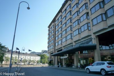 ホテルの正面は北向き。