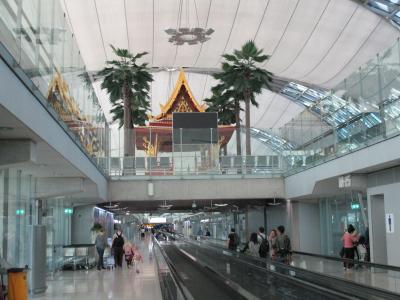 アジアのハブ空港、とっても広いです☆