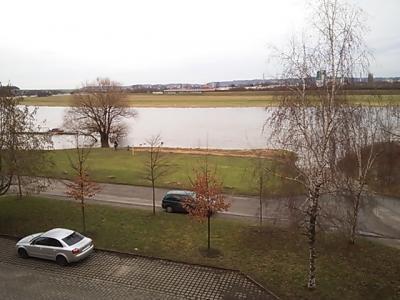 部屋からの眺め、 エルベ河
