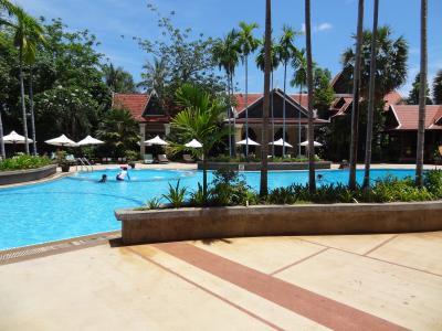 リゾート感満載のプール