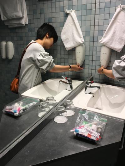 洗面所備え付けのハンド&ボディーソープ