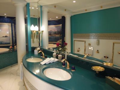 レッドの洗面室も同じ作りであります。