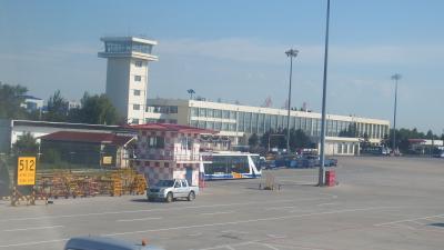 新ターミナル建設中で臨時建物使用