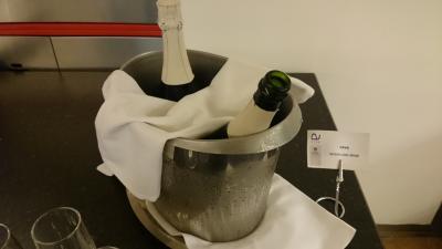CAVA スペインのシャンパン 朝から飲み放題。