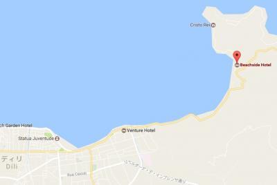 ビーチサイドホテルは、ディリ市内からの海岸道沿いにあります。