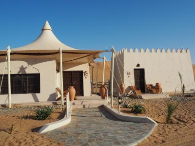 砂漠の中の五つ星ホテル