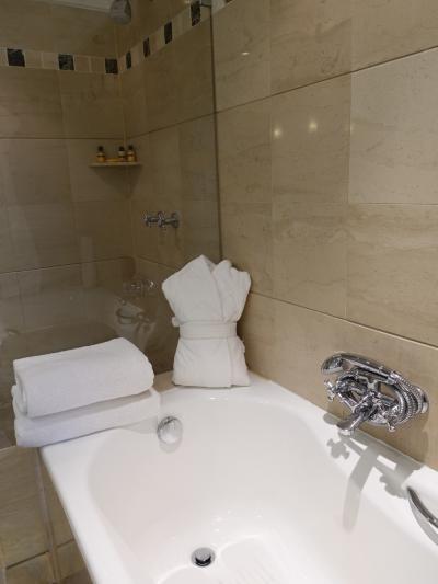 バスルームも清潔で気持ちいい