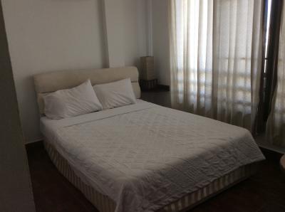 ベッドとシーツはとても良い。が。。。