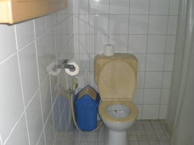 モービーズホテルのトイレです。綺麗に掃除されていますね。