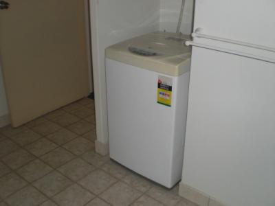 モービーズホテルの客室には、洗濯機が置いてあります。驚きです