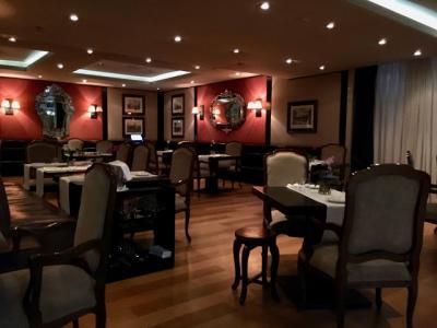 ホテル1階にあるイタリアンレストラン