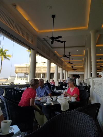 ゴールフェイスホテル-海沿いのコロニアルホテル