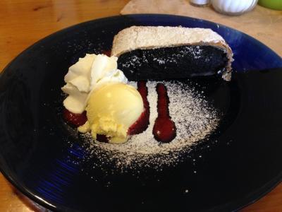 けしの実ペーストのケーキです