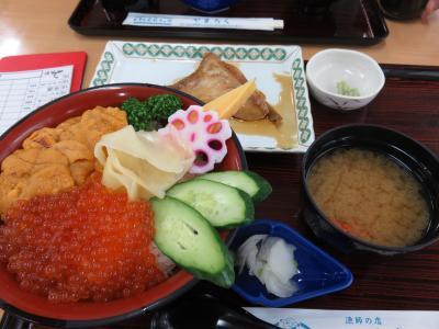 小名浜港にある、観光客向け海鮮ショップ&レストラン複合施設。
