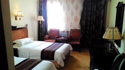 古めですが4つ星ホテルの部屋です。