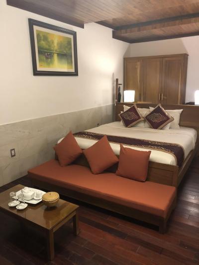 旧市街の近くでリゾート気分も味わえる落ち着いたホテル
