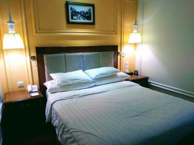 ホアンキエム湖からすぐの便利だけど普通のホテル