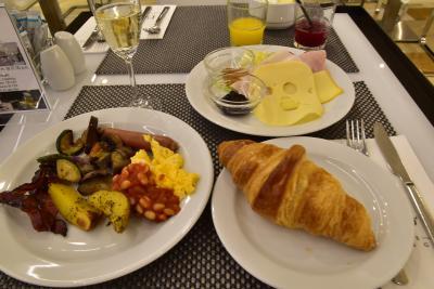 朝食ビュッフェ朝食