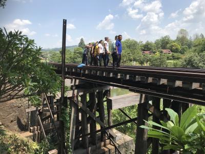 クワイ河鉄橋より小さいが魅力的な桟道橋