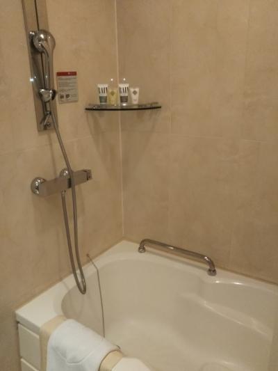 お風呂です。。。泡立ちが悪いシャンプーでした